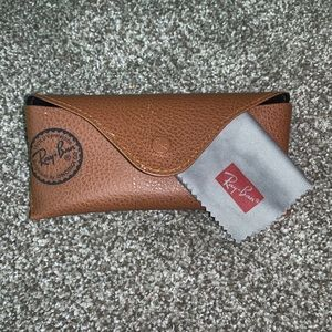 Ray-ban sunglass case & cloth